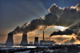 Gobierno subirá exigencia de norma de emisión para industrias en Santiago.